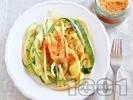Рецепта Спагети със сметана, тиквички и галета